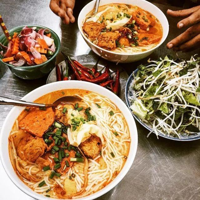 Danang Food: Bun Cha Ca - 109's Fish Cake Noodle Soup, 109 Nguyen Chi Thanh