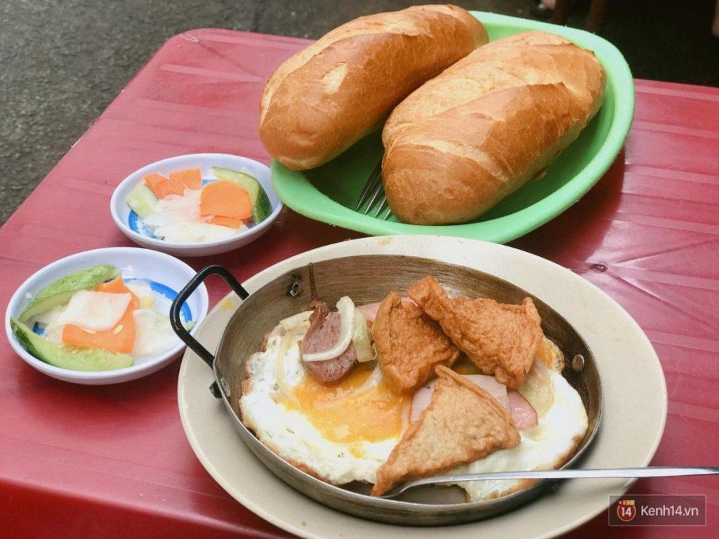 Sai Gon Food: Banh Mi Op La – Banh Mi Hoa Ma, 53 Cao Thang