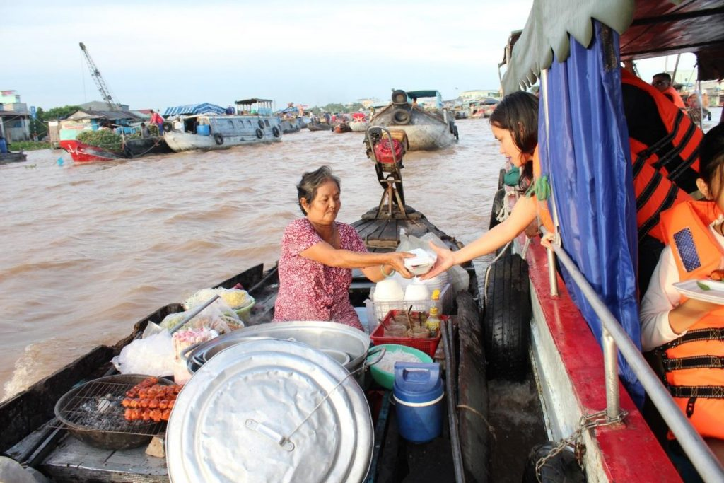 Enjoying a bowl of Hu Tieu or Banh Canh on a local boat would be an awesome, authentic experience if you're visiting Mekong Delta.