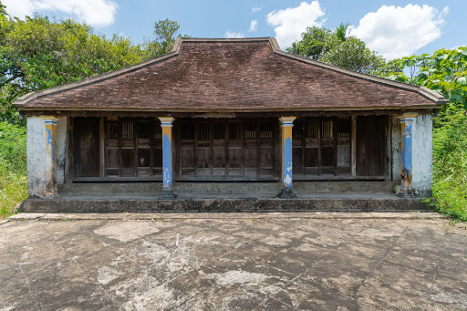 """""""Nha ruong"""" - the typical traditional house in central Vietnam."""