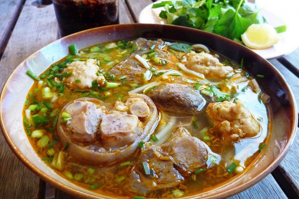 Hue Food: Bun Bo Hue – Dong Ba Market, 2 Tran Hung Dao