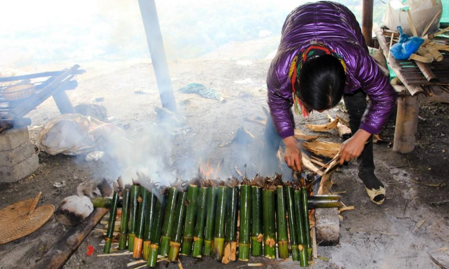 Bamboo cooked rice