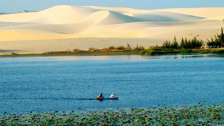 White sand dunes in Mui Ne.